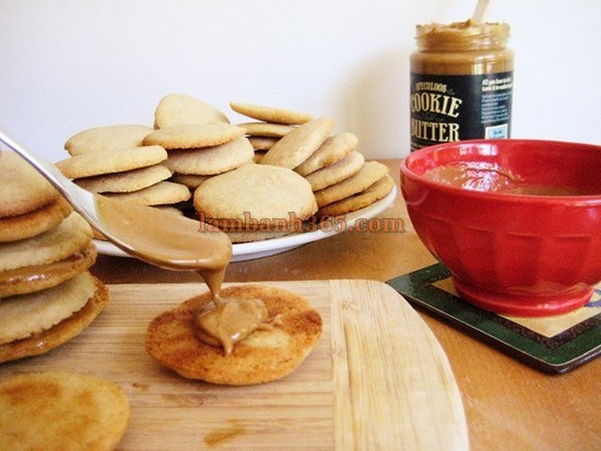 cach-lam-banh-speculoos-cookie-sandwiches-6