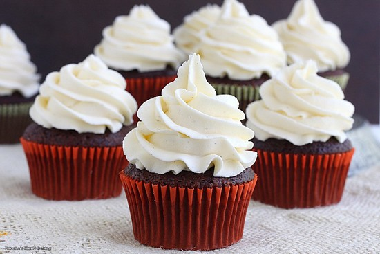 cach-lam-cupcake-chocolate-don-gian-2