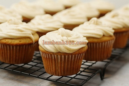 cach-lam-cupcake-chuoi-toffees-3