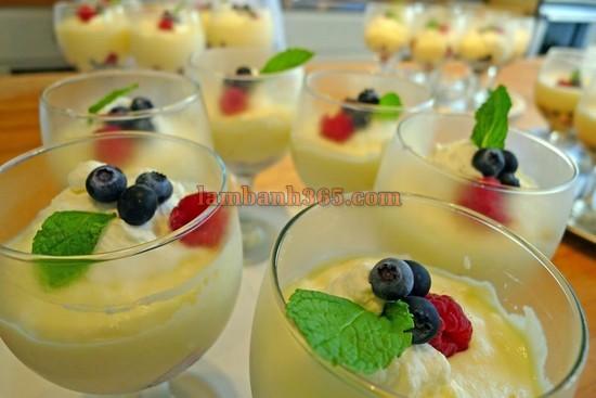 cach-lam-mousse-chanh-berries-mat-lanh-4