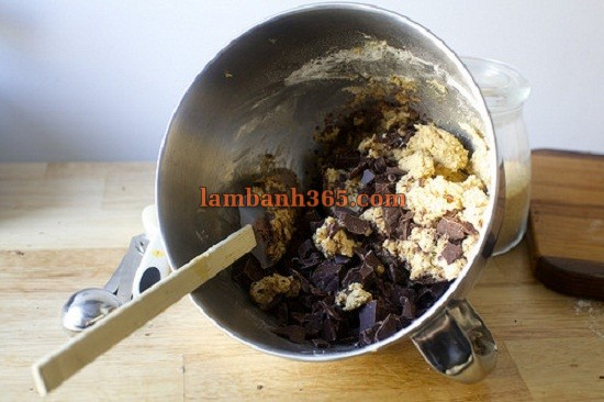 cach-lam-banh-cookie-chocolate-muoi-2