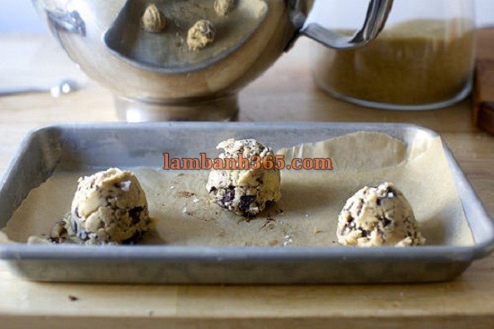 cach-lam-banh-cookie-chocolate-muoi-3