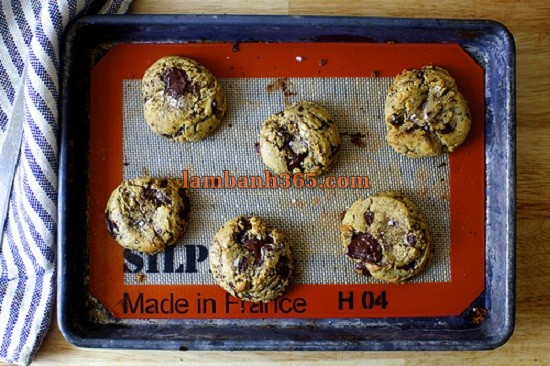 cach-lam-banh-cookie-chocolate-muoi-4