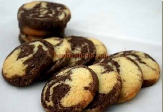 cach-lam-banh-cookie-chocolate-van-thuy-ngo-nghinh-3
