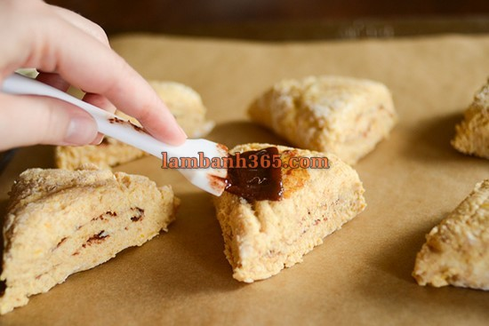 cach-lam-scones-que-bi-do-20