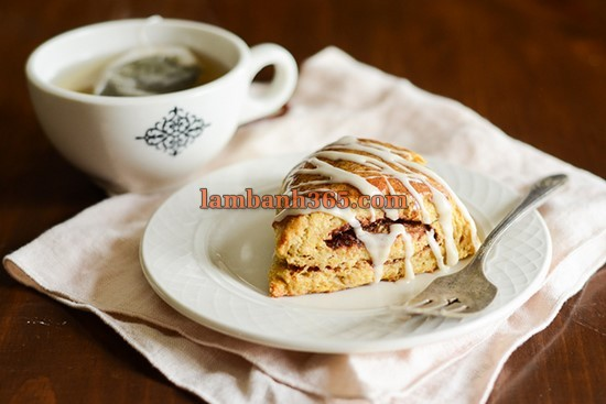 cach-lam-scones-que-bi-do-25