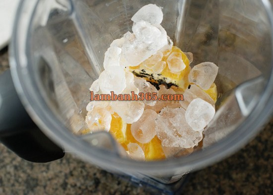 cach lam smoothie cam don gian ma tuyet ngon 4 (Copy)